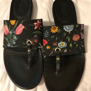 NWOT GUCCI THONG Sandals NEVER WORN, AUTHENTIC
